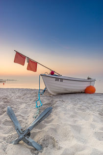 Fischerboot Kellenhusen Ostsee Anker Strand von Dennis Stracke