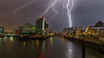 Blitz am Spiegel Hamburg Unwetter gewitter von Dennis Stracke