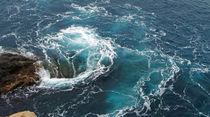 Wasserstrudel am Meer,  von Regina Müller
