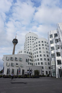 Medienhafen by Rahel Herden