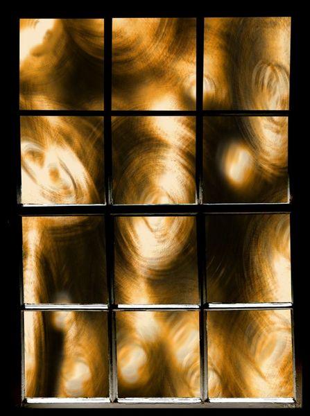 Sawblade-with-window-lance-rann2014-300dpi-12in