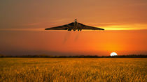 Vulcan sunset von James Biggadike