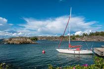 Boat in Landsort Island von movgroovin