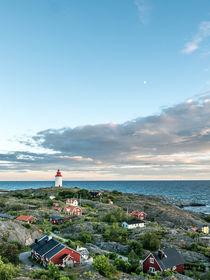 Lighthouse in Landsort, Sweden von movgroovin