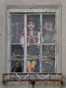Fensterbild - Puppenstube by Chris Berger