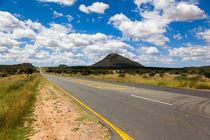 Namibia Highway B1, South of Windhoek von kytefoto