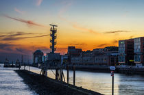 Sonnenuntergang im Hamburger Hafen by fotolos