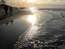 Sonnenglanz am Strand by Sabine Radtke