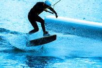 Wakeboarding in blue 2.2 von Marc Heiligenstein