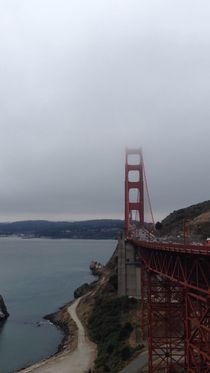 Cloudy Golden Gate Bridge by etienne