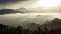Teneriffa - Hauptstadt und Vulkan von Hartmut Binder