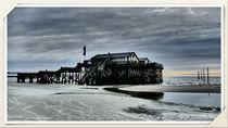 Pfahlhaus am Strand by Clemens Greiner