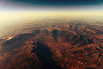 Earth Horizon Photo From 35.000 Feet Altitude von Radu Bercan