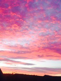 Unglaubliche Wolken - Incredible clouds IV von Victoria  Fortunato-Liebetrau