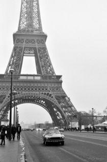 Paris in the fog by Yuliya Vassilyeva