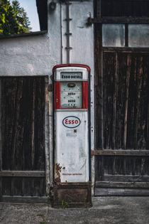 Old gas pump 798216 by Mario Fichtner