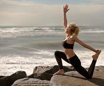 Yoga on the rocks von gainsborough-park-photography