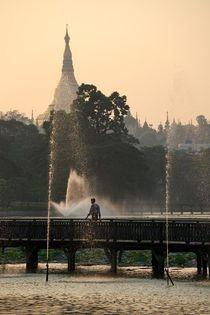 Shwedagon Pagode von Bruno Schmidiger