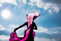 Fan dancer in the sun by Jessy Libik