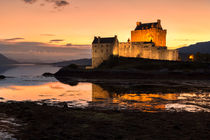 Eilean Donan Castle Sunset von Derek Beattie