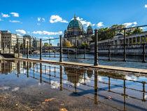Berlin an der Spree - Spiegelung I von elbvue
