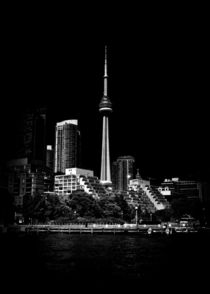 CN Tower From Bathurst Quay Toronto Canada von Brian Carson