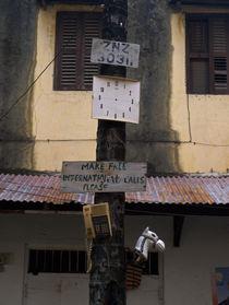 Skurrile Telefonzelle von chain-elle-art
