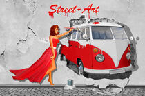 Street Art in Digital Art mit Oldtimer Bus von Monika Juengling