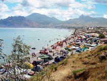 The beach of Koktebel, Crimea von Yuri Hope