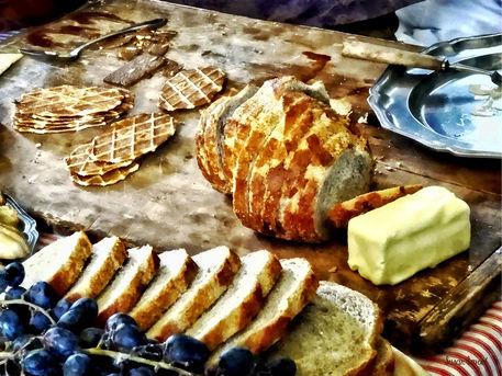 Sigsml-breadandbutter