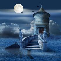 Mystische Burg auf dem Meer von Monika Juengling
