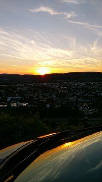 Sunset reflected in the windshield von Tobias Hust