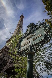 Eiffel Tower an avenue signal by Juan Carlos Lopez