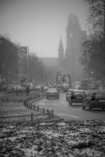 Kaiser Wilhelm Memorial Church in Winter von Sharon Yanai