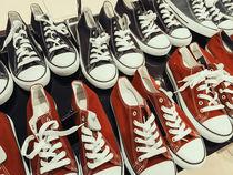 Classic Black And Red Sneakers von Radu Bercan