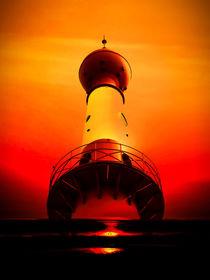 Leuchtturm - Romantik 2 by Walter Zettl