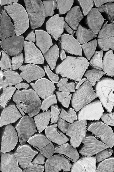 Holzstapel-bw-gross-mp-faa
