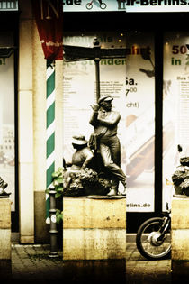 Da gehts zur Arbeit by Bastian  Kienitz
