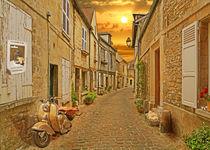 Sonnige Altstadtgasse in der Picardie by Monika Juengling