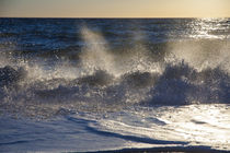 splashing wave by Jessy Libik