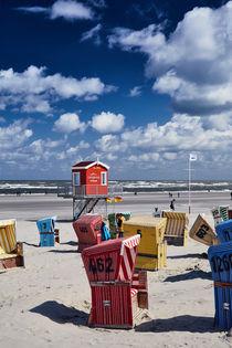Strandkörbe am Langeooer Strand von renard