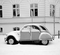 2CV in the snow by Ron Greer
