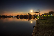 Sunny Lakes at night von Zoltan Duray