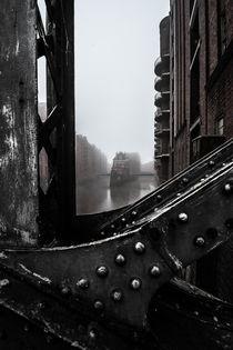 Hamburg Speicherstadt im Nebel II - Wasserschloss von elbvue von elbvue
