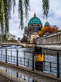 Berlin an der Spree - im Herbst III von elbvue von elbvue
