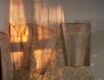 Licht auf Tapete by Peter Jean Geschwill