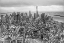 Manhattan New York skyline black and white by wamdesign