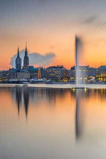 Alsterfontäne by photobiahamburg