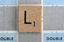 Scrabble L von Jane Glennie