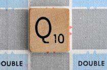 Scrabble Q von Jane Glennie